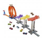 Mattel Hot Wheels Игровой набор Суперскоростная трасса с машинкой