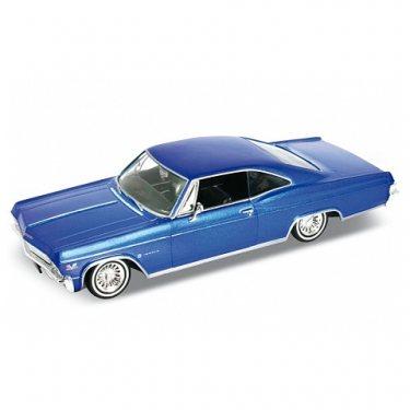Машинка Welly 22417 Велли Модель винтажной машины 1:24 Chevrolet Impala 1965